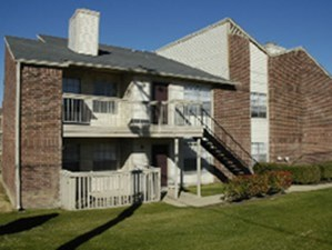 Exterior 4 at Listing #136729