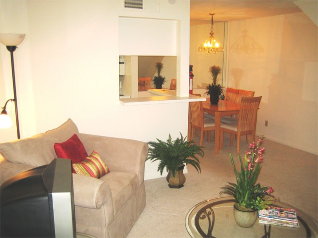 Living at Listing #139660