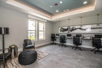 Business Center at Listing #291817