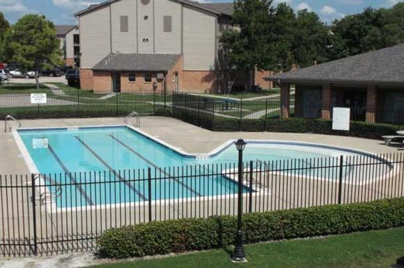 Pool at Listing #139449