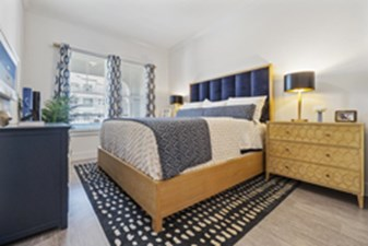 Bedroom at Listing #302202
