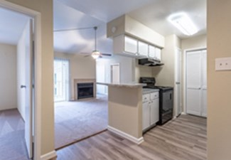 Living/Kitchen at Listing #138321