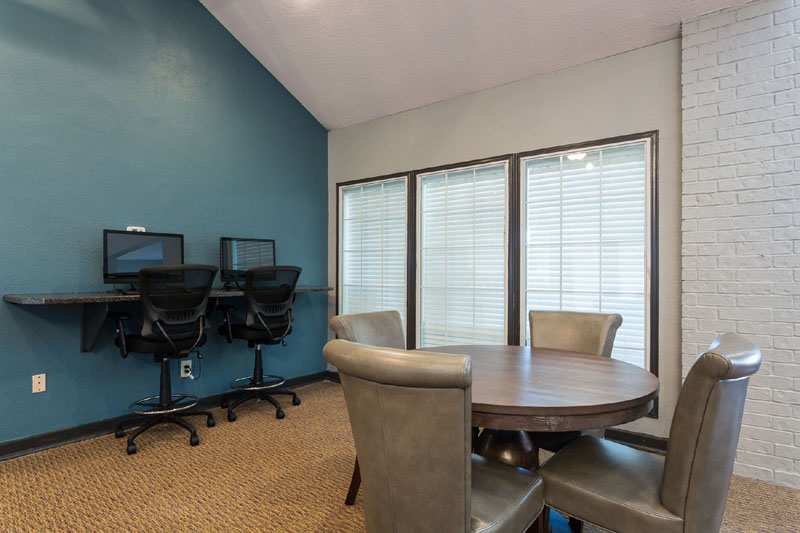 Business Center at Listing #135948