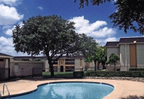 Pool at Listing #140450