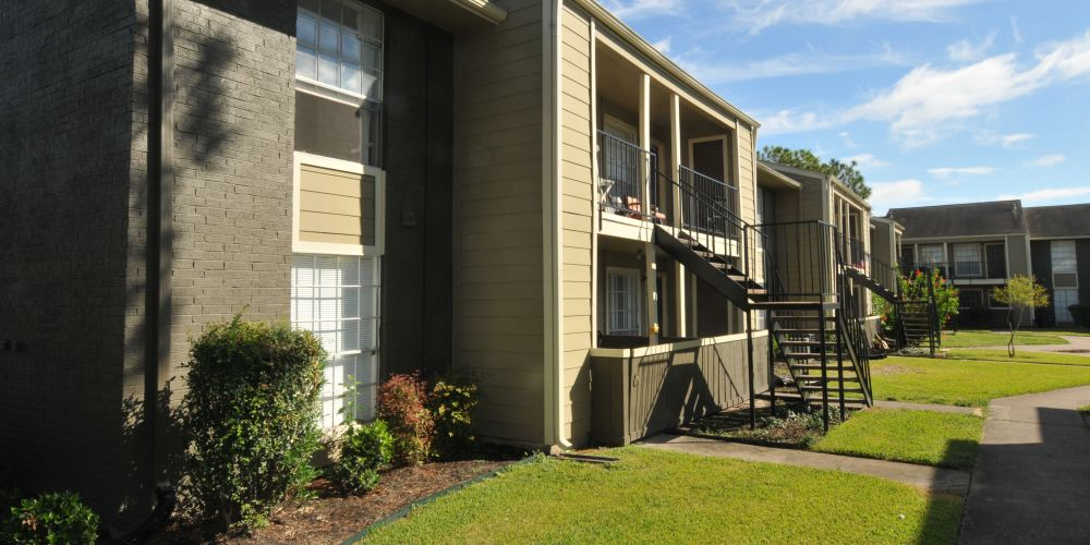 Exterior at Listing #139866