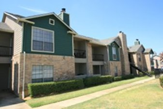 Exterior at Listing #136878