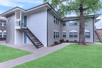 Exterior at Listing #138492