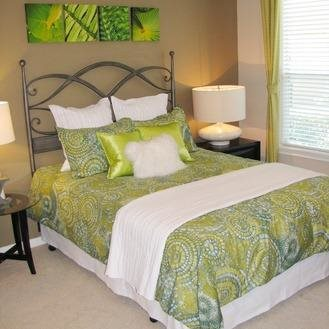 Bedroom at Listing #138325