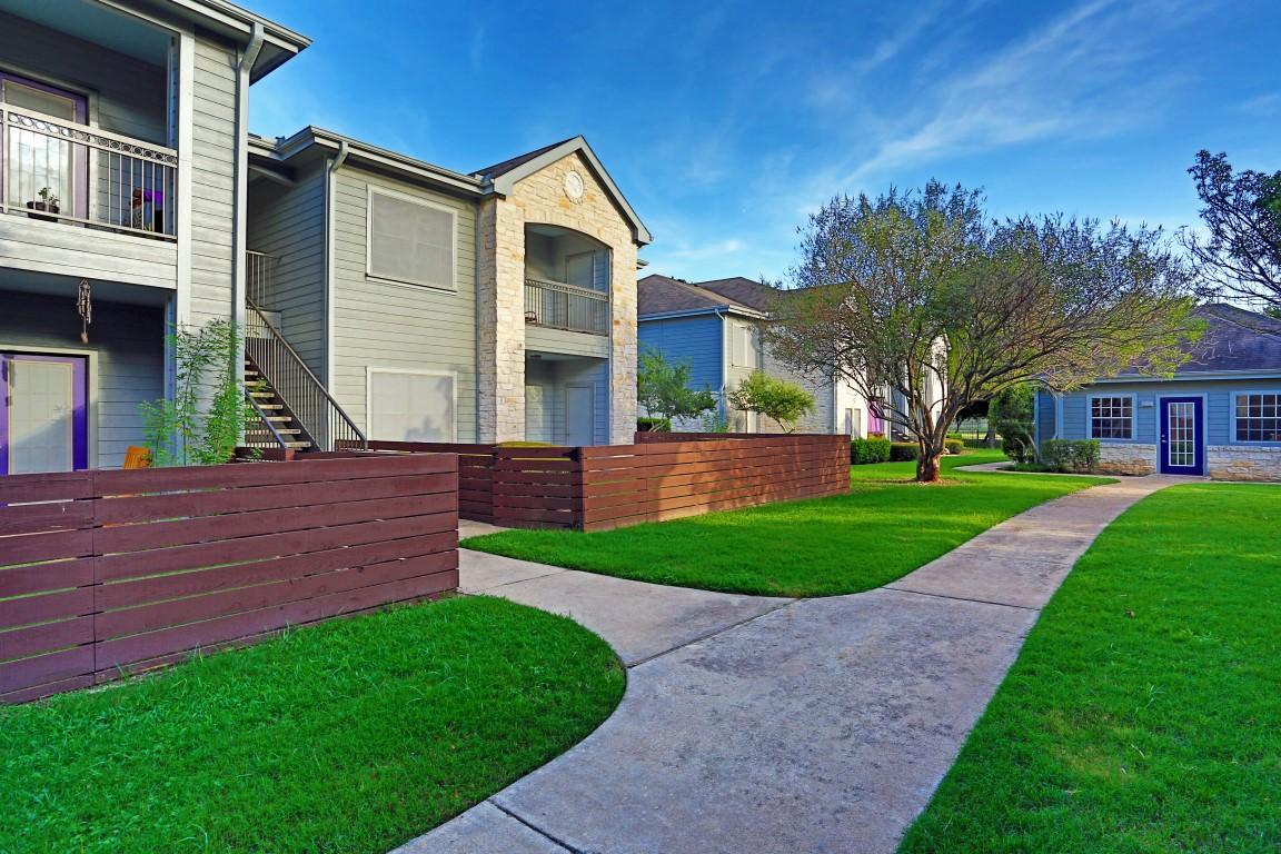Saddle Creek Apartments Austin TX