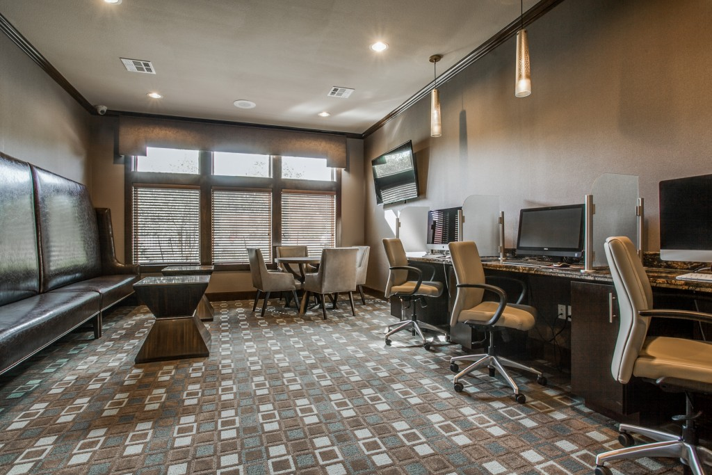 Business Center at Listing #275269