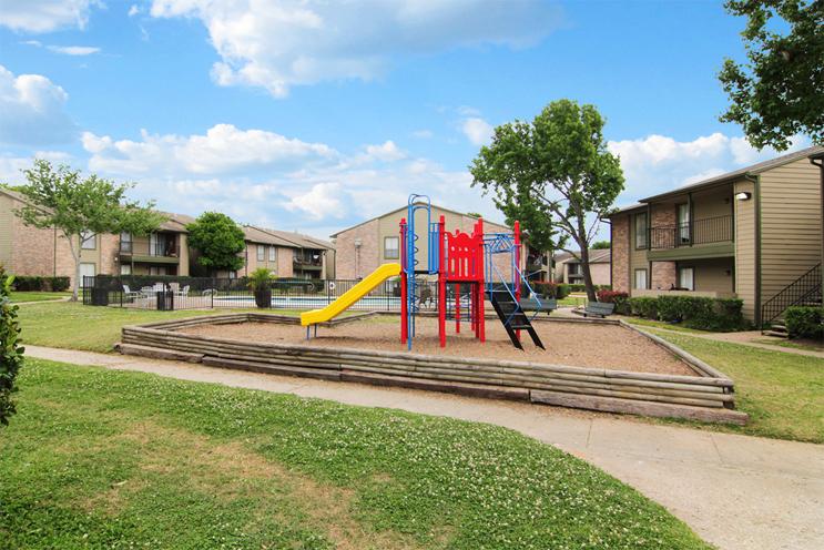 Playground at Listing #138287