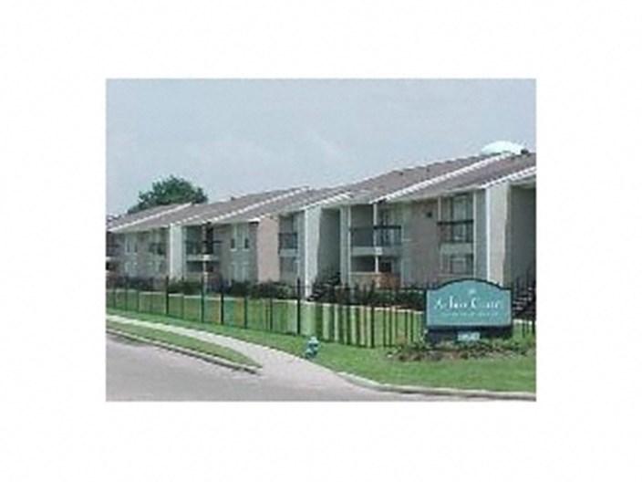 Arbor Court Apartments