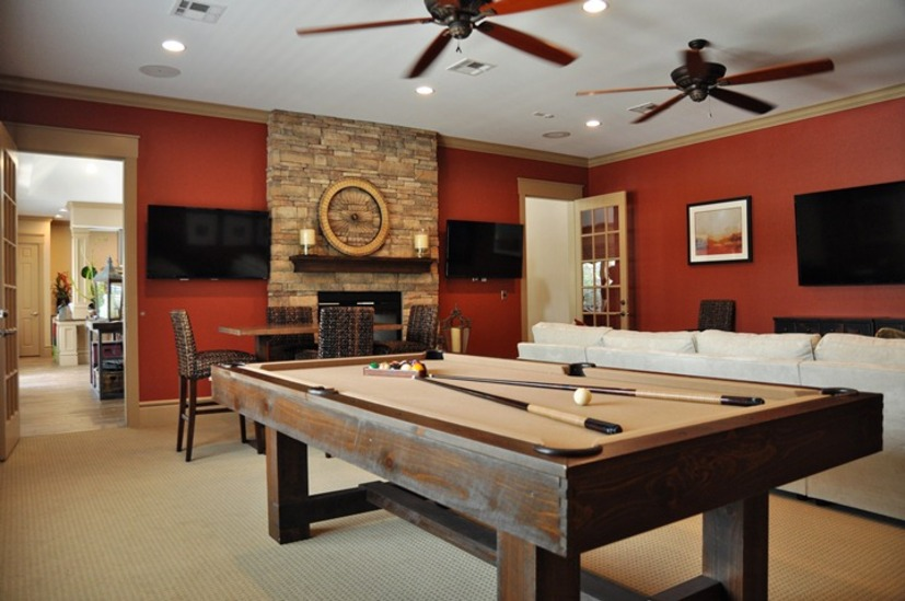 Gameroom at Listing #234803