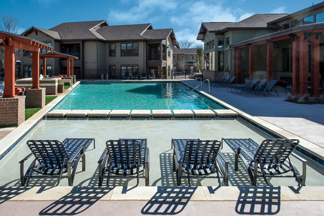Creekside Townhomes Apartments Richardson, TX