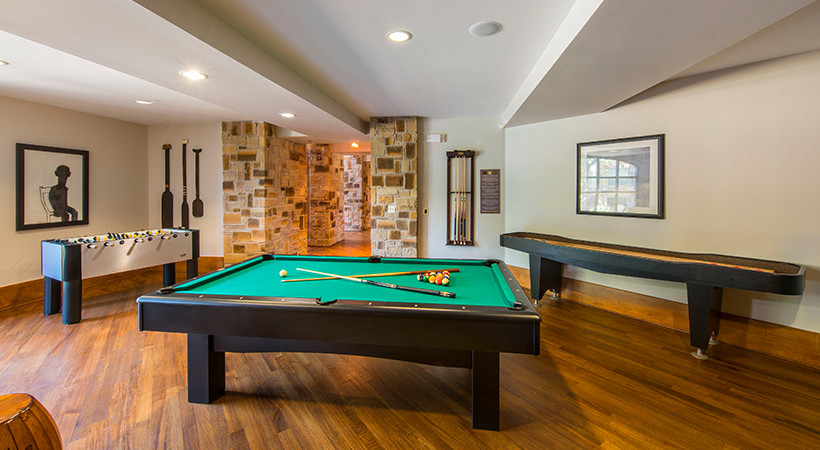 Gameroom at Listing #145157