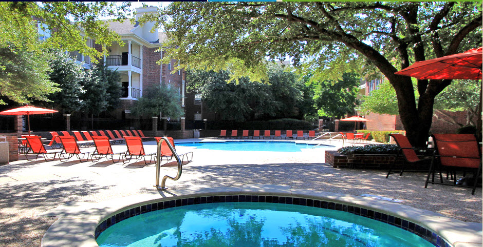 Pool at Listing #136704