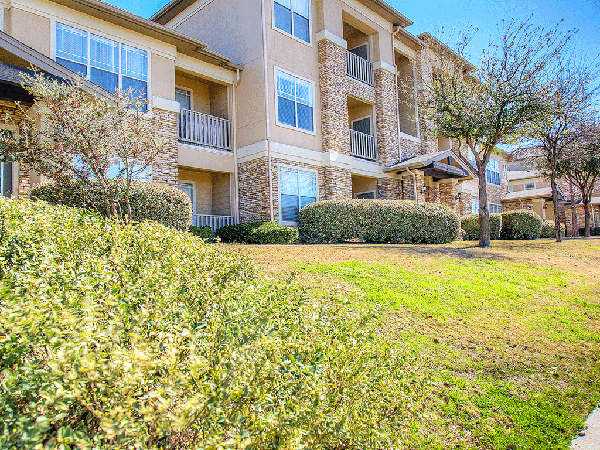 Exterior at Listing #138127