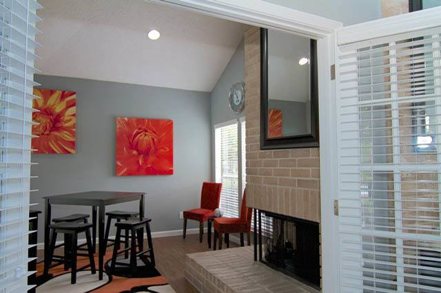 Lounge at Listing #138536