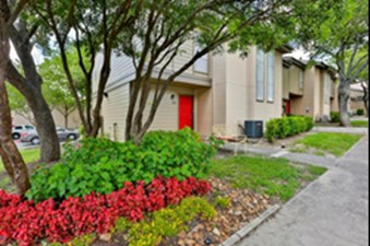 Exterior at Listing #140964