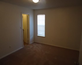Bedroom at Listing #136916