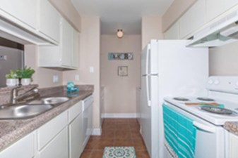 Kitchen at Listing #139368