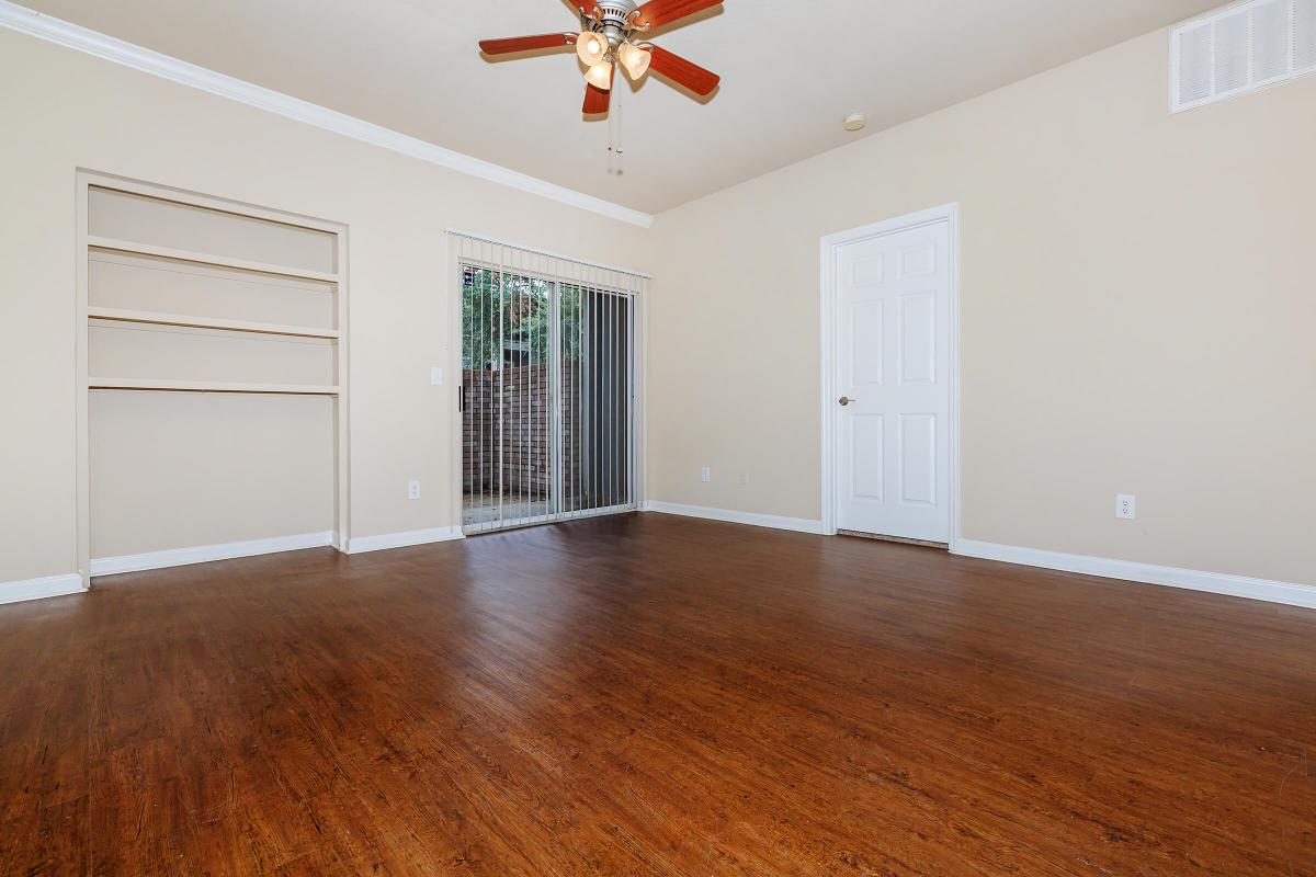 Living Area at Listing #135800