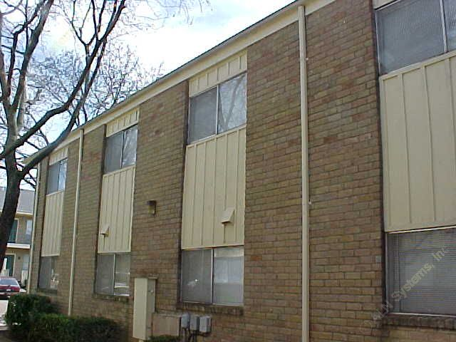 Side View at Listing #136360