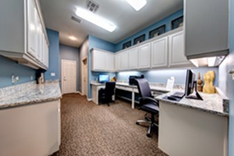 Business Center at Listing #137604
