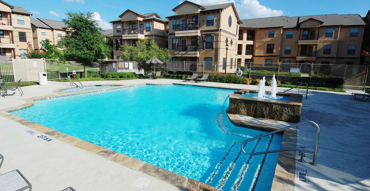 Pool at Listing #144443