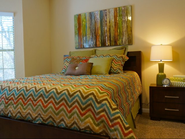 Bedroom at Listing #140612