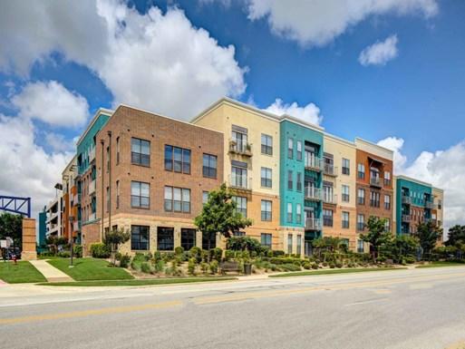 La Frontera Square Apartments