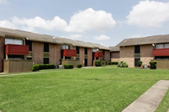 Exterior at Listing #139803