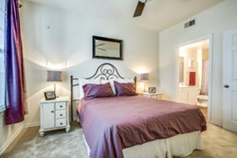 Bedroom at Listing #137866