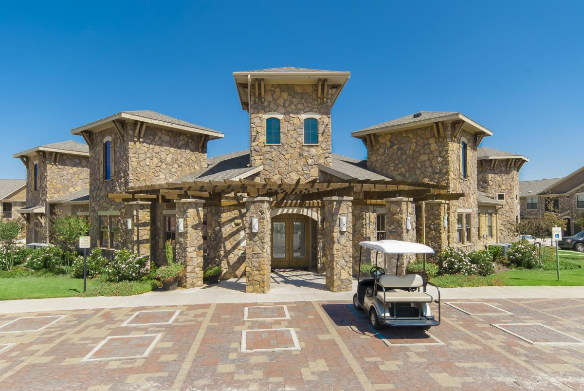 Exterior at Listing #146319