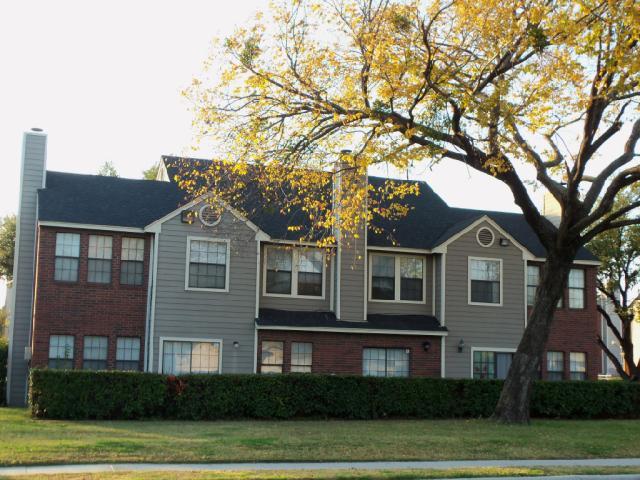 Elwood Oaks Apartments Irving TX