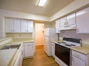 Kitchen at Listing #139446