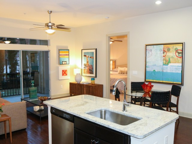 Dining at Listing #152216