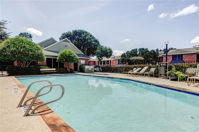 Pool at Listing #136281