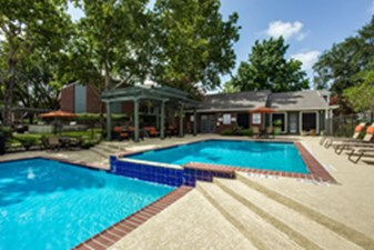 Pool at Listing #140182