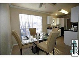 Dining at Listing #140397