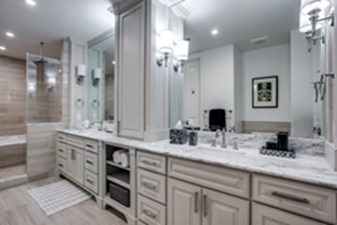 Bathroom at Listing #279316