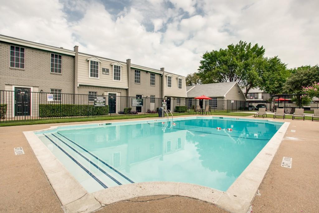 Pool at Listing #136953