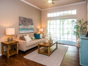 Living at Listing #140646