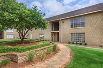 Residence at Garden Oaks at Listing #139439