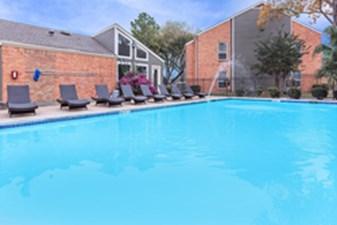 Pool at Listing #140033