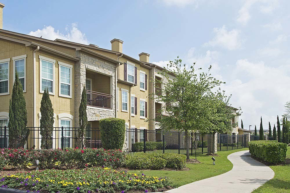Amalfi at Tuscan Lakes ApartmentsLeague CityTX