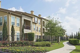 Amalfi at Tuscan Lakes Apartments League City TX