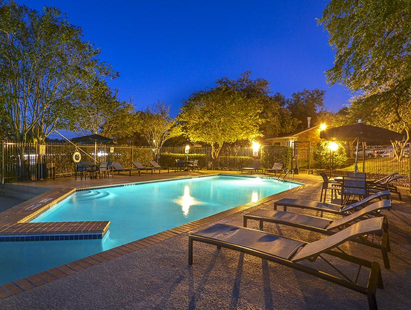 Pool at Listing #140539