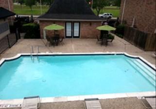 Pool at Listing #289075