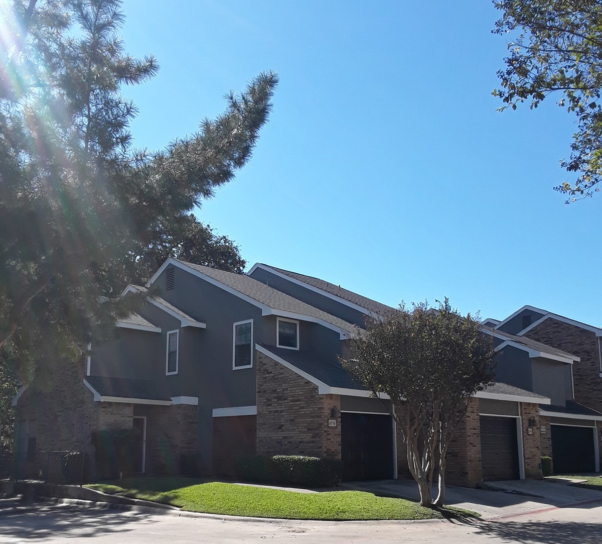Exterior at Listing #137035
